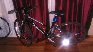 Vélo Louis Garneau hybride Urbania SC3