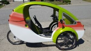 "ELF Solar power-assisted electric ""bike"" by Organic Transit"