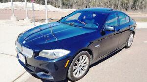 2011 BMW 5-Series 550i X Drive M-SPORT 4.4-liter twin-turbo V-8
