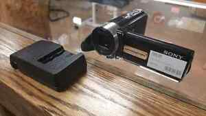 Sony HandyCam w Charger