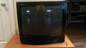 RCA 26 inch TV (with remote)