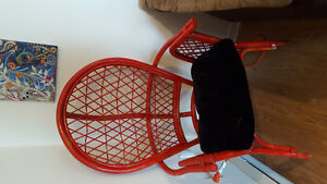 2 red wicker chairs. 25$ each