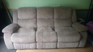 3 piece living room set, great shape, spring let go on seats