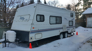 22' 2002 Thor Travel Lite Travel Trailer in Excellent condition