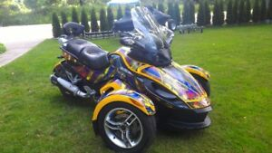 canam spyder #'d first edition, manual, must go