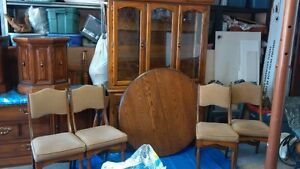 Dining Room (4 chairs) Buffet and Hutch West Island Greater Montréal image 2
