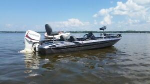 2015 Stratos bass boat