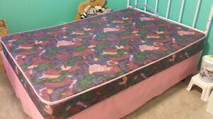 Firm Full/dbl mattress. Like new.