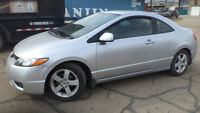07 Civic - 5 spd manual- 2dr - LOADED - MAGS - ONLY 61,000KMS
