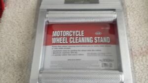 motocycle weel stan cleaning brand new