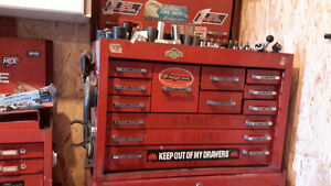Tool chests