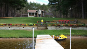 Beautiful Private Waterfront Home on the Bonnechere River