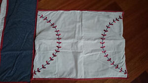 2 Kids Sports BASEBALL Pillow Shams Case LIKE NEW Bed Decor