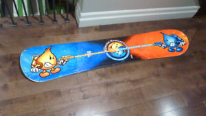 Planche Snow de World Industries 142 cm en excellente condition