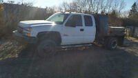 2007 CHEV  EXT DIESEL DUALLY 4X4  WITH WELDING DECK  TRADE