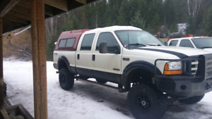 Very nice 2003 f350 crewcab shortbox 4x4.