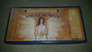OUIJI BOARD FOR ANGELS.......MINT CONDITION!!!!...only 19$......
