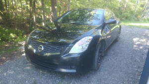 Nissan Altima coupe 2009