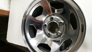 15 inch GM rally rims (4) center caps,lug nuts,covers London Ontario image 5