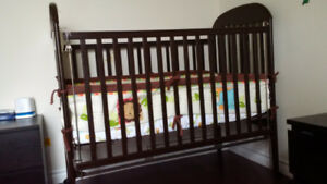 Crib with mattress and bedding included