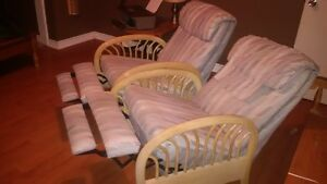 Reclining Chairs London Ontario image 2