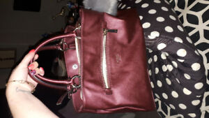 BRAND NEW/never been used - Guess Purse for Sale!!
