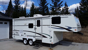 24' TRIPLE - E TOPAZ FIFTH WHEEL