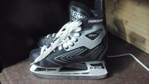 CCM PowerLine size 8 ice skates