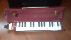 Vintage 60's Hohner Melcdica Piano 27