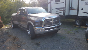 VERY RARE 2010 DODGE MEGA CAB SHORT BOX DIESEL