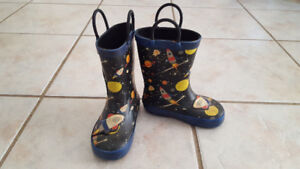 Boy Rocket ship rain boots (Size 7)