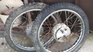 Back and front rims 80cc Yamaha dirt bike rims and tires