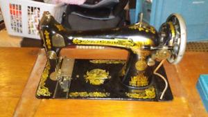 1920'S Singer Sawing Machine (Canadian model)