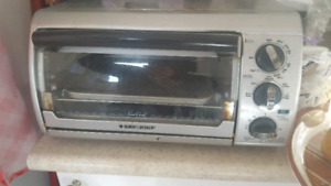 Black and Dickers toaster oven