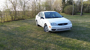 2007 FORD FOCUS . DRIVES GREAT . READY FOR THE ROAD . JUST $2900
