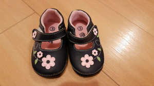 Toddler shoes, NEW, Navy with pink flowers, Velcro strap Size 3