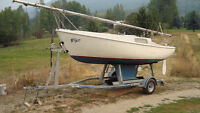 20 FT CAL 20 Sailboat with fixed keel