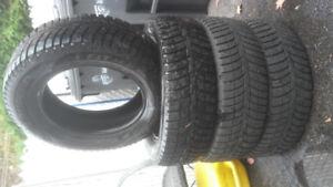 4 pneus hiver 17 pouces **NEUF**