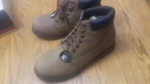 *New* B.U.M Equipment Size 8 Boots Peterborough Peterborough Area image 3