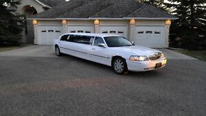 2 LIMOUSINES FOR HIRE FOR YOUR SPECIAL EVENT / OCCASION!