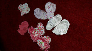 NB slippers\mittens
