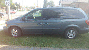 2006 dodge grand caravan stow n go leather fully loaded