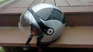 Casque de moto (small)