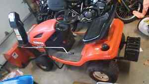 Mint kubota tractor with snowblower and lawnmower