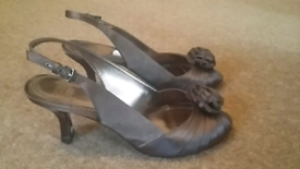 Laura Ashley heels size 6, taupe