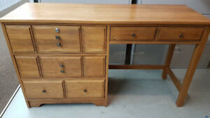 BEAUTIFUL OFFICE DESK w/ FREE NIGHTSTAND *Excellent Con!!*