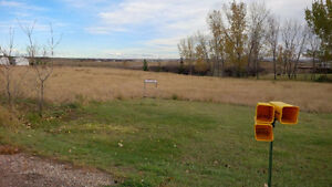 Acreage/Land - Build your Dream Home minutes from City...