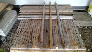 97 SPINDLES WOOD  4 ft (48 in)  X 1 1/2 in X 1 1/2 in