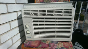 (A) like NEW Danby 5,200 btu Air Conditioner / Climatiseur