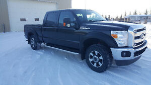 2011 Ford Super Duty F250 Lariat Pickup Truck REDUCED